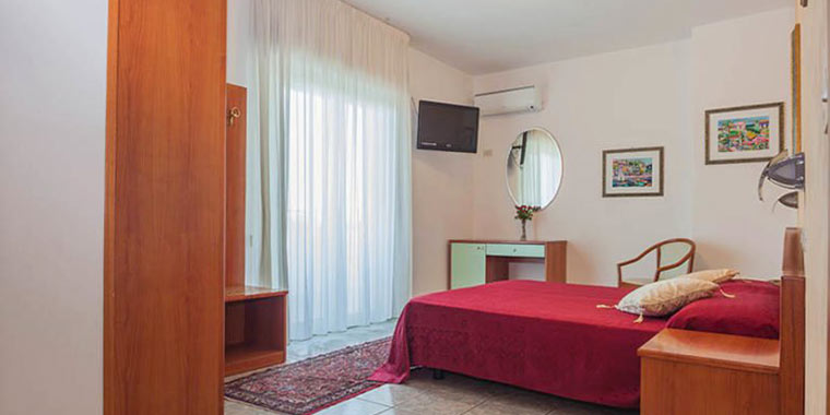 camera hotel san benedetto del tronto
